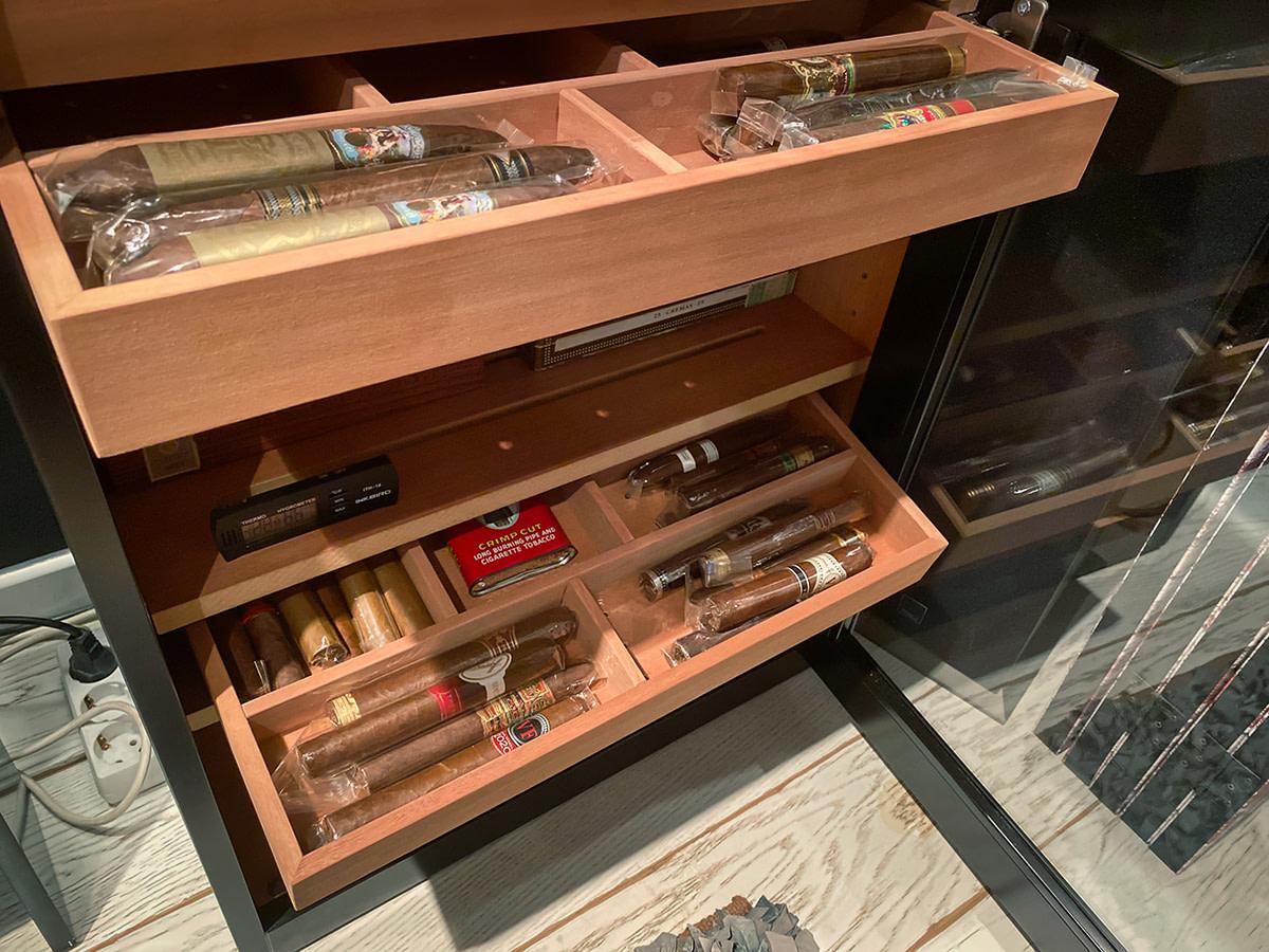 Interior de un humidor para puros