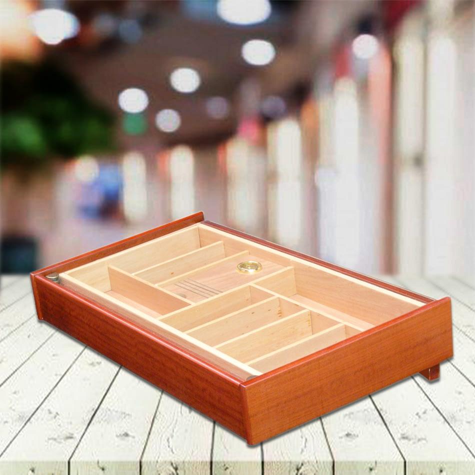 Desktop humidor mahogany varnished